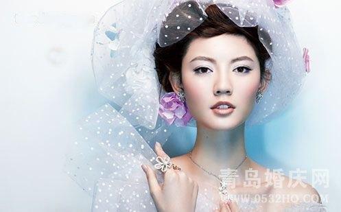 演绎2011最新纯美新娘春色芳菲妆