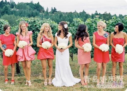 为婚礼增色的女配角 伴娘礼服怎么选