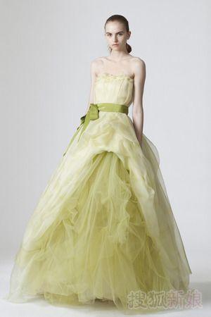 做个彩色新娘 适合东方女性彩色婚纱