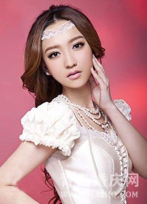 复古风潮的欧式完美新娘妆容