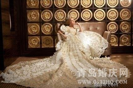 宫廷风长拖尾时尚婚纱