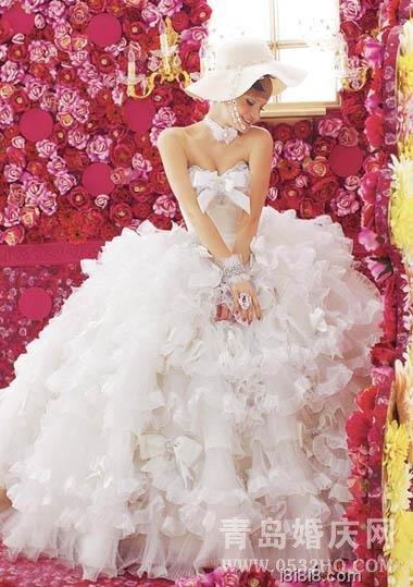 蝴蝶结点缀的唯美婚纱