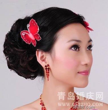 新娘中式礼服旗袍与发型的搭配