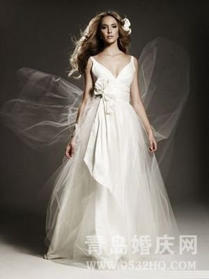 准新娘挑选适合自己婚纱的技巧