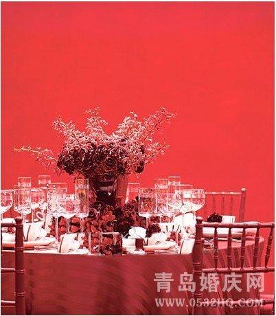 婚宴酒店布置中桌子布置的四元素