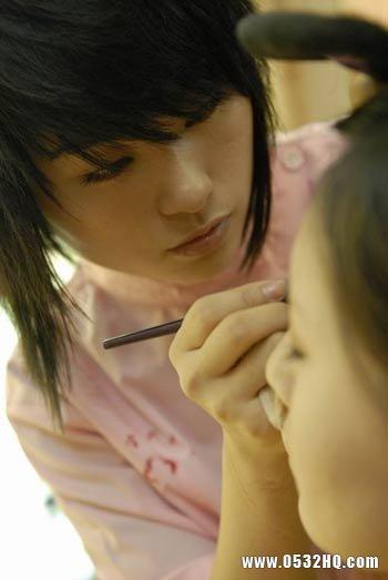 如何考察和挑选一名合适的跟妆师
