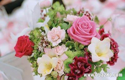 婚礼现场布置图片 唯美花海般的甜蜜
