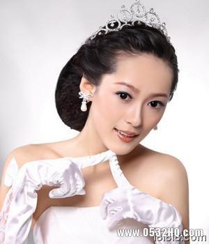 如何打造俏丽婚宴准新娘妆容