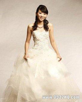 深白婚纱礼服 让你成为冬季最美丽的天使