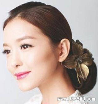 6款最流行的2012最新新娘发型推荐
