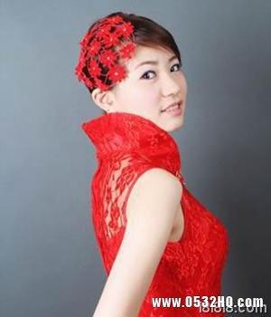 旗袍新娘发型2:侧偏网纱发
