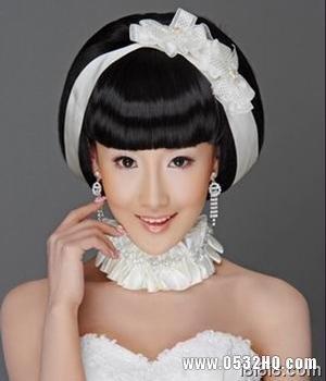 温柔又俏皮的时尚新娘发型推荐