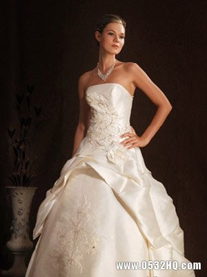 4款唯美靓丽春季新娘婚纱推荐
