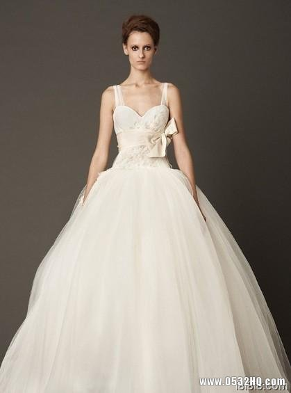 欧美时尚婚纱礼服 打造气质完美新娘