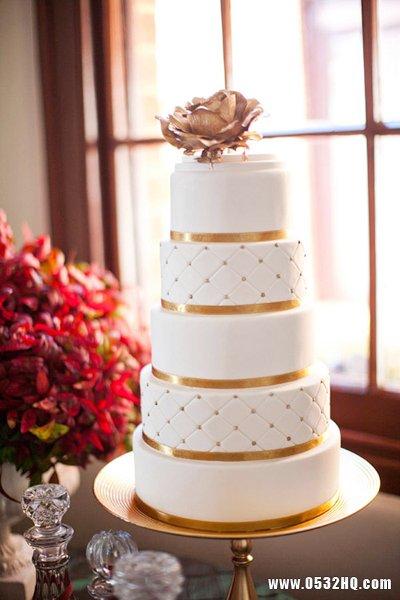 盘点婚礼蛋糕设计的4大时尚元素