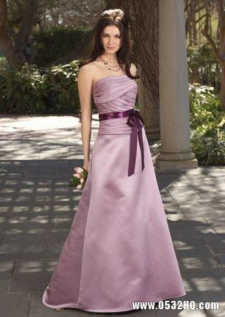 百搭实用伴娘礼服 呈现不一样的精彩