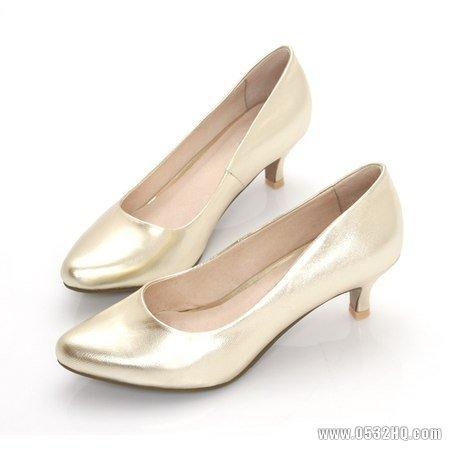 结婚高跟鞋穿多高?选择婚鞋那些事