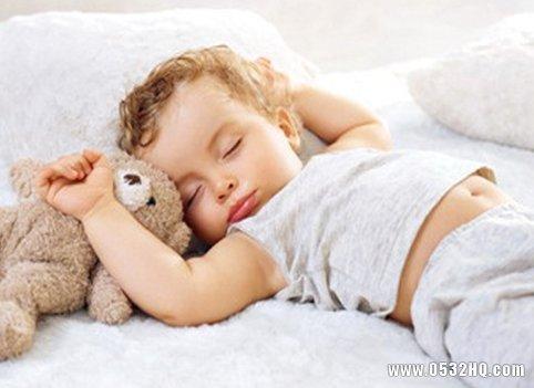 一岁宝宝睡觉爱出汗是怎么回事?