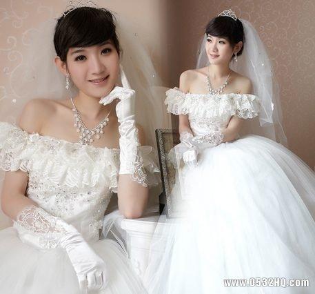 宽肩膀新娘如何选婚纱 挑选婚纱注意事项