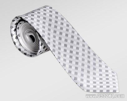 如何挑选新郎领带 新郎领带的挑选法则