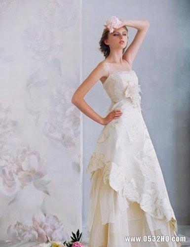 不规则裙摆婚纱