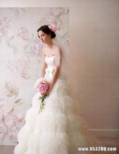 华丽贵妇范复古婚纱 展现新娘高贵气质