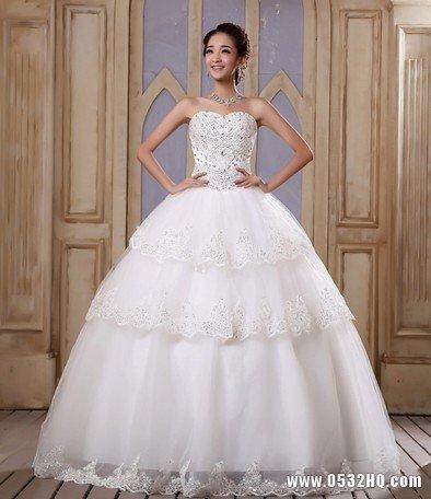 4款纯美白色镶钻婚纱 展现新娘独特气质