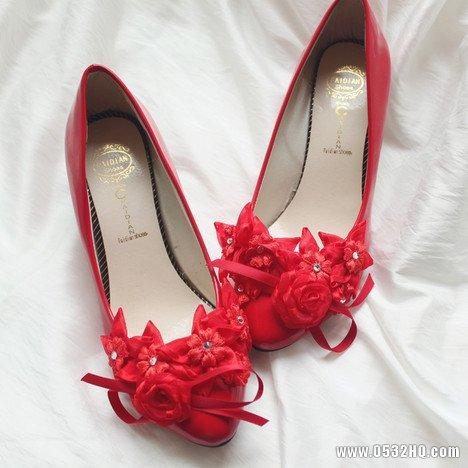 红色当道 喜庆红款婚鞋扮靓最IN新娘