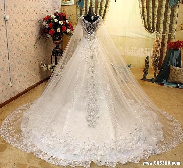 用爱温暖冬季收获美丽 新雅高端婚纱馆优惠活动