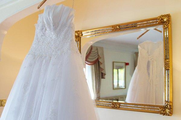 买一套婚纱多少钱?一套婚纱价格几何