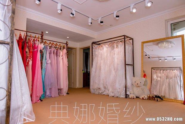 青岛典娜高端婚纱礼服