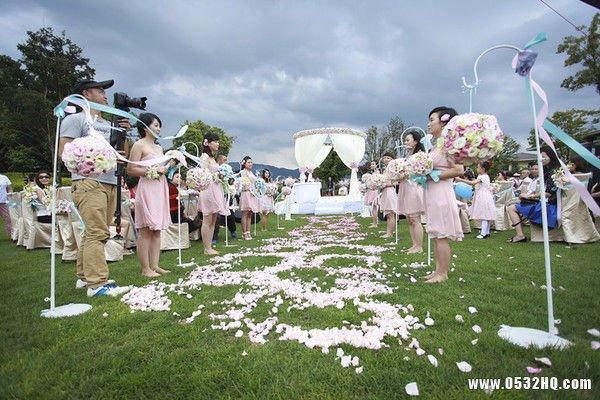 草坪婚礼布置 草坪婚礼策划流程