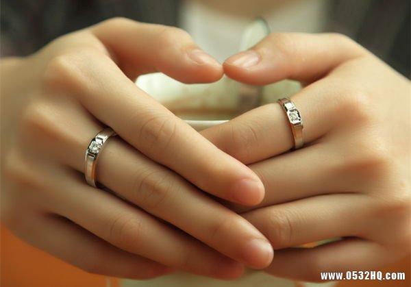 订婚戒指戴哪只手 定情定终生