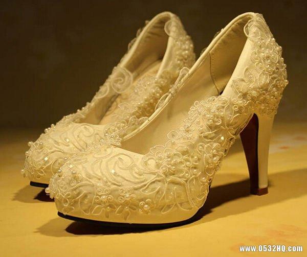 婚鞋一定要红色吗 不用颜色不同风采