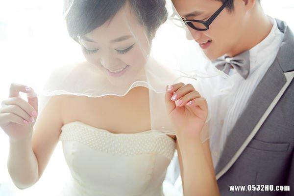 完美婚纱照 内衣的选择也不可忽视