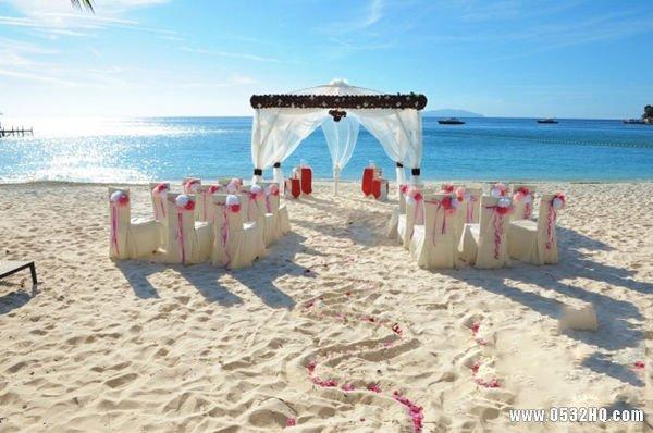 海岛婚礼策划 蓝天大海见证美好爱情