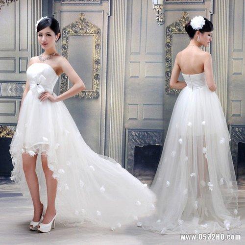 怎样把小拖尾婚纱穿的最漂亮