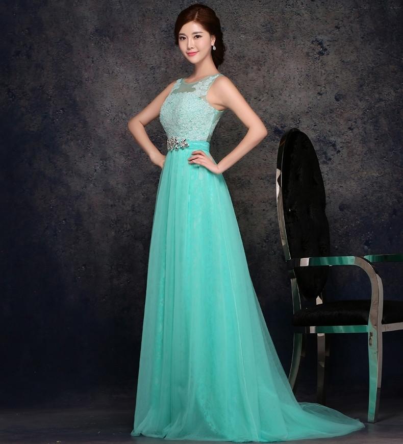 艳丽晚礼服展现完美新娘